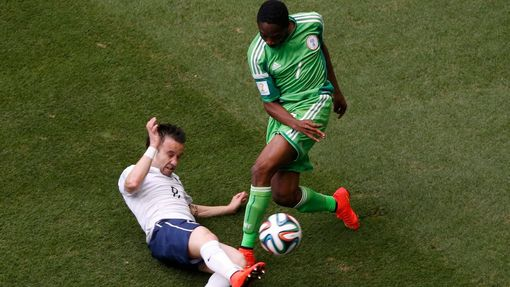 MS 2014, Francie-Nigérie: Mathieu Valbuena - Ahmed Musa