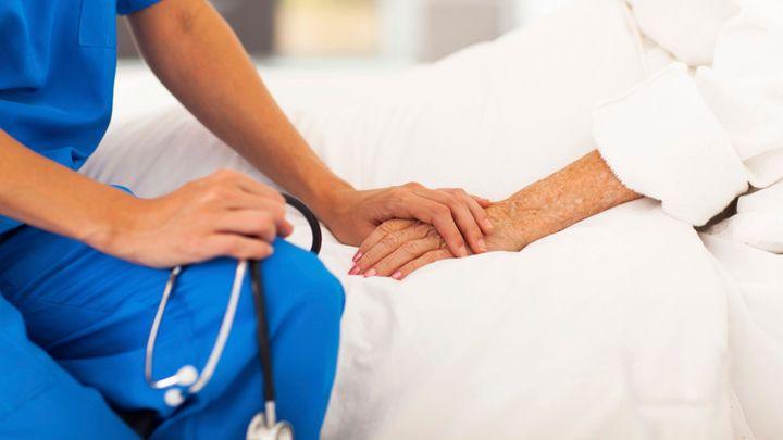 Další pokus o uzákonění eutanazie. Dlužím to své matce, vysvětluje poslankyně