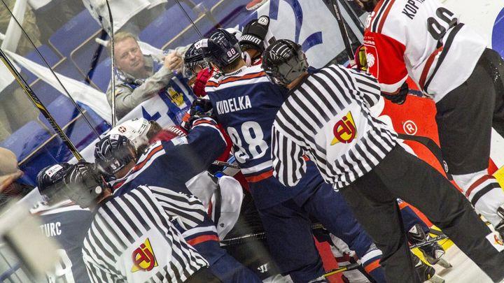 """Nechceme vás deset let vidět. Hokejová Nitra zuří, Vídeň prý """"lovila"""" jejich hráče; Zdroj foto: Dalibor Sosna"""