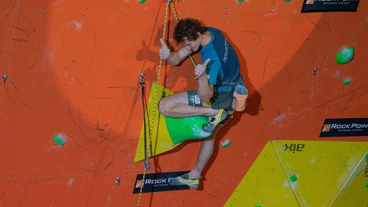 Ondra postoupil do finále mistrovství světa v lezení na obtížnost