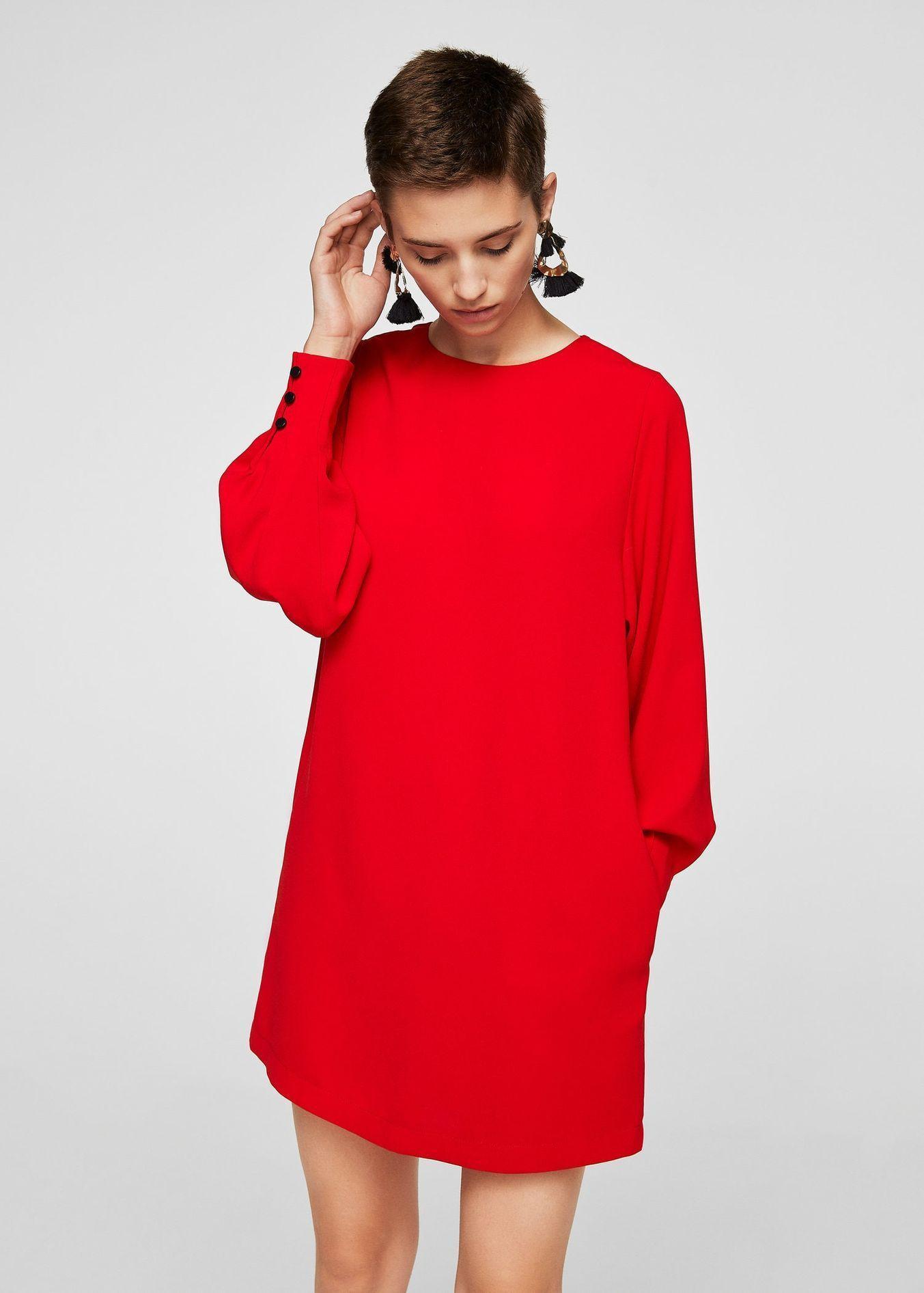 Co si vzít na vánoční večírek  Absolutním hitem jsou červené šaty. 1 26  Prohlédnout znovu Zavřít galerii. šaty b5e9940f70