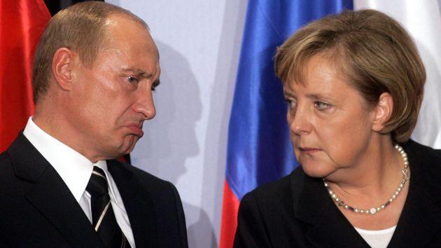 Autoritář Putin je u nás oblíbenější než přesvědčená demokratka Merkelová. Absurdní.