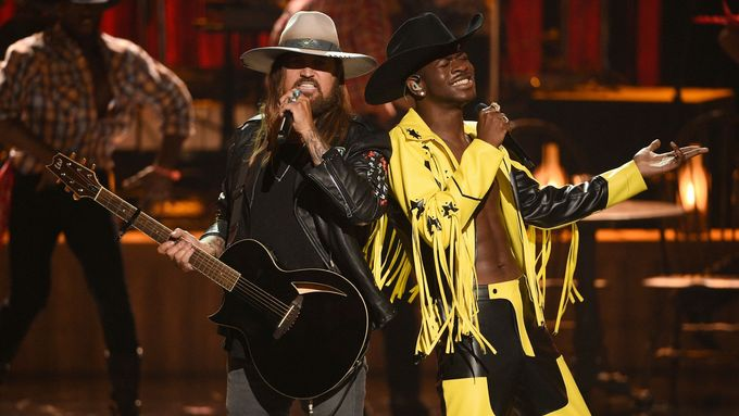V remixu Old Town Road účinkují Lil Nas X a Billy Ray Cyrus.
