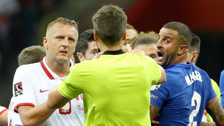 """""""Nemáme dostatek důkazů."""" FIFA Polákům po zápase s Anglií tresty za rasismus nerozdá; Zdroj foto: Reuters"""