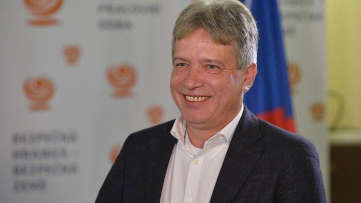 Premiér Babiš by měl podat žalobu, říká Onderka k postupu prezidenta Zemana