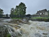 Povodňový stav je na skoro 30 místech v Česku. Další extrémní srážky mají přijít