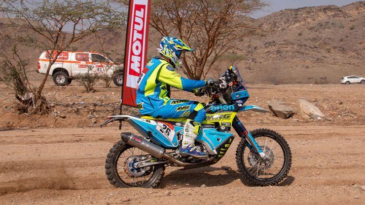 Motocyklista Engel měl těžký pád. Teď se řeší jeho převoz do Česka; Zdroj foto: Orion - Moto Racing Group