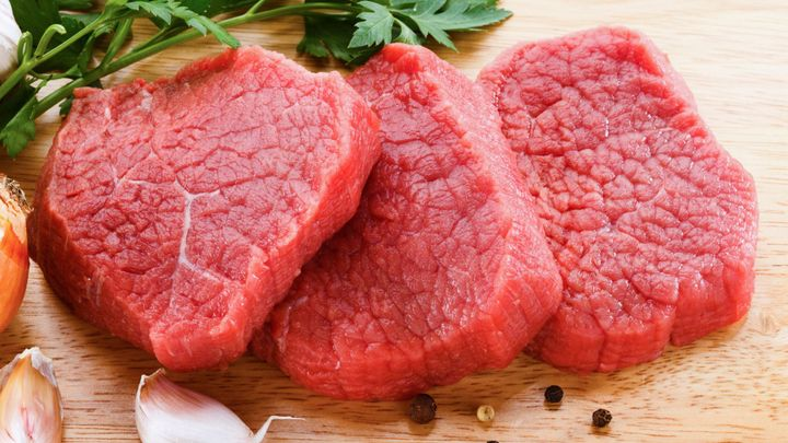 Nízkosacharidová dieta zkracuje život, tvrdí studie. Vyměňte maso za rostlinné tuky, radí doktoři