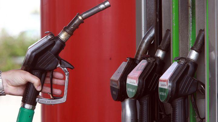 Cena benzinu a nafty roste, blíží se 32 korunám za litr