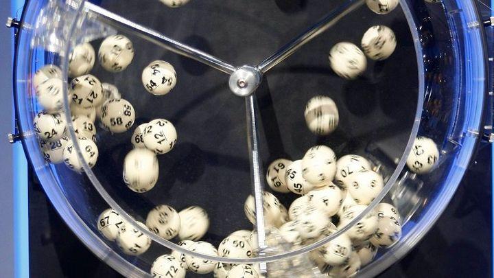 Polská vláda chystá účtenkovou loterii o auta nebo tablety