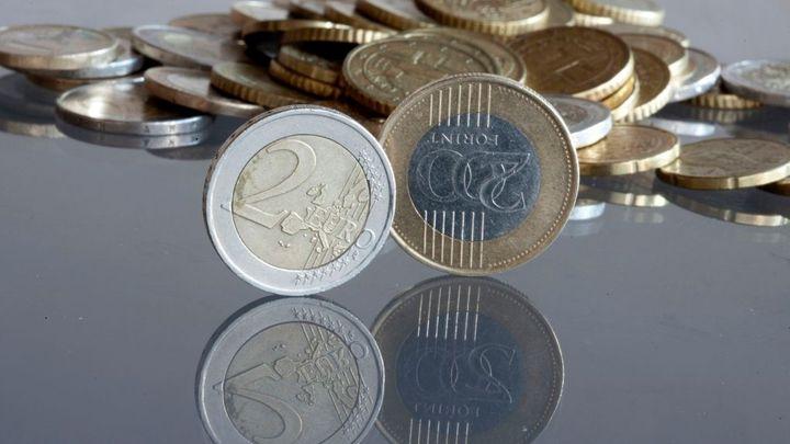 Maďarsko snížilo základní úrok na rekordní minimum