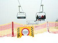 V Krkonoších na sjezdovce na Černé hoře zemřel lyžař