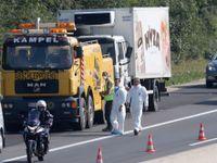 V autě zemřelo přes 70 uprchlíků, stopy vedou do Rumunska