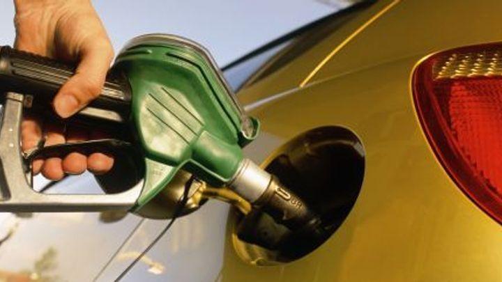 Benzin je druhý nejlevnější v Evropě. ÚAMK přepisuje mapu