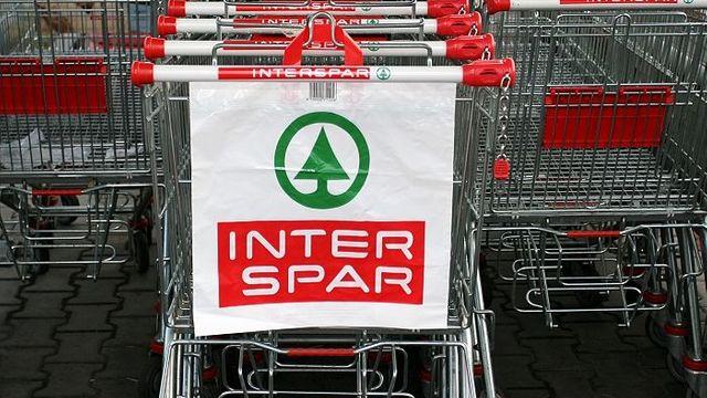 Albert musí kvůli Sparu prodat pět obchodů. Poprvé řekl kde ... 8c937e8bd44