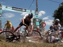 Ohniví jezdci míří do finále. Toto jsou nejlepší snímky, zachycující krásu i bolest Tour