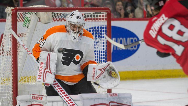 Mrázek vychytal Flyers další vítězství, proti Ottawě bodovali Voráček i Gudas