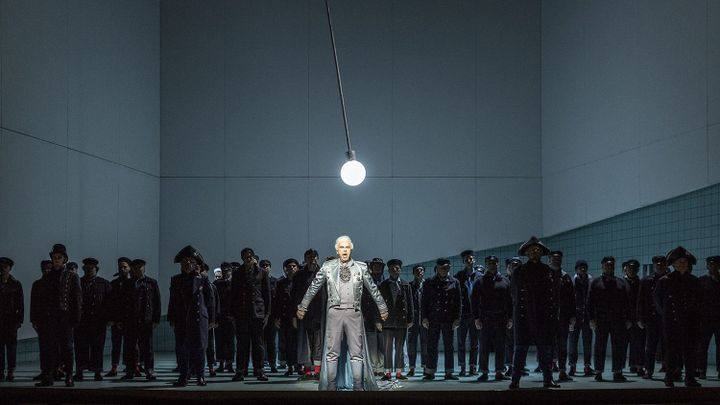 Recenze: První české uvedení Brittenovy opery Billy Budd stojí na pěvecké vyrovnanosti