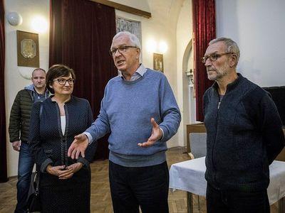 Pražský přízvuk ztrácí vždycky v polovině cesty do Jablunkova, říká Drahošův bratr Josef