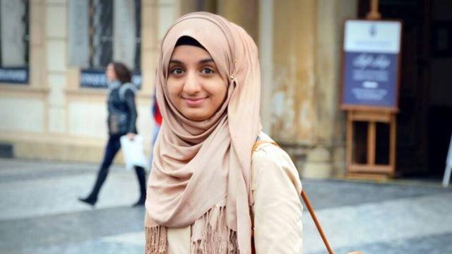 Ilustrace k článku: Desítky dopisů žádají vyloučení muslimky zteplické školy. Naprosto nemyslitelné, reaguje ředitel (Aktuálně.cz)