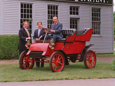 Kdyby zubař nezaplatil, Ford by zbankrotoval. Přesně před 115 lety Henry Ford prodal své první auto