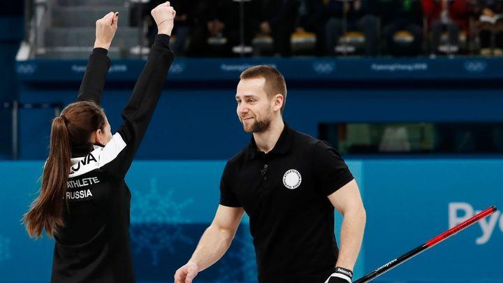 Rusové oficiálně na olympiádě nestartují, přesto už mají dopingový skandál. Podezřelým je curler