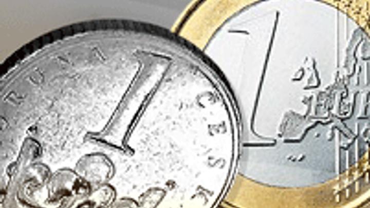 Koruna je nejslabší od roku 2009, prolomila 28 Kč za euro