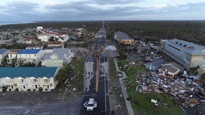 Až 250 km/h. Podívejte se, jakou škodu napáchal hurikán Michael na Floridě