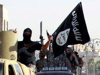 Islámský stát popravil 25 syrských vojáků. Na web dal video