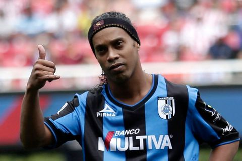 Čelůstka v All Star týmu? Do Antalyasporu míří i Ronaldinho!