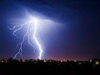 Do Česka se ženou ze západu bouřky. Přinesou kroupy, přívalový déšť a vítr