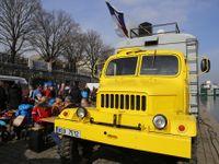Foto: Tato žlutá Praga V3S je jediný český unikát. Nadšenec udělal z vejtřasky pojízdné bistro
