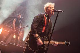 Recenze  The Offspring potřebují odpočinek. Koncertování je už nad jejich  síly 7d3c0b7c153