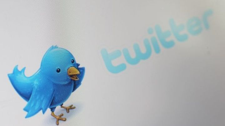 Twitter hlásí nárůst uživatelů, ale jeho akcie dál padají