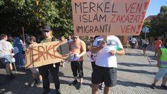 a7a6275fa12 Čeští králíčkové v jamce a německá slonice v Praze. Merkelová chce udržet  EU pohromadě