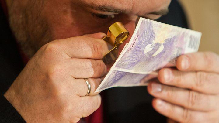 Za popsané bankovky dostanete snadněji náhradu, plánuje MF