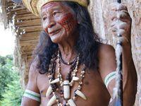 Pomsta dávného kmene za vraždu šamanky. Domorodci v Amazonii zlynčovali Kanaďana, ostatní přihlíželi