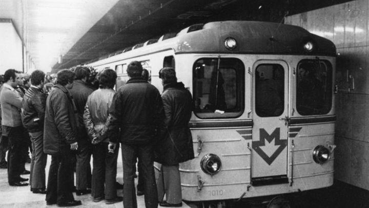 Původní logo metra se má stát turistickým symbolem Prahy