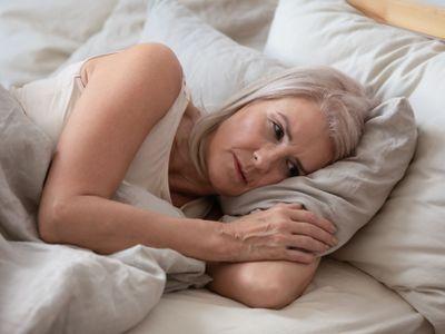 Rebecca Robbinsová z Harvard Medical School tvrdí, že spánek kratší než šest hodin může negativně ovlivnit lidský mozek i imunitu.