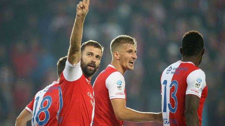 Slavia odčinila zaváhání v Jihlavě, ale proti klokanům se nadřela. Výhru zařídil Hušbauer