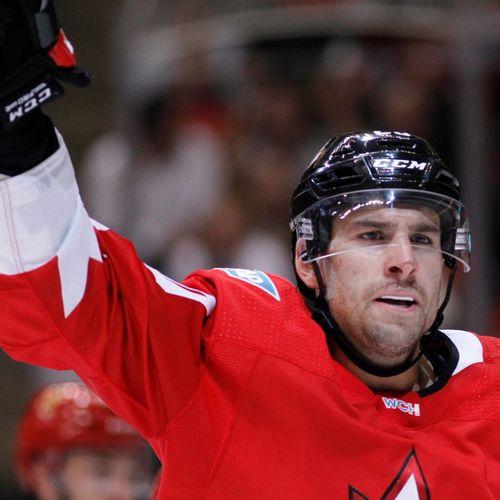 3dc9a40ac6637 Nejslavnější hokejovou soutěž NHL zahájí zápas tradičních rivalů ...