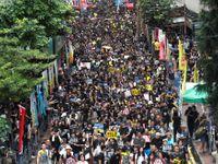 """Správkyně Hongkongu chce jednat s """"pokojnými"""" demonstranty. Ti to odmítli"""
