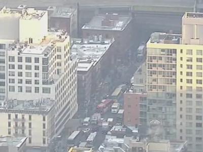 Přímý přenos: Na Manhattanu v New Yorku vybuchla bomba. Policie zadržela jednoho muže