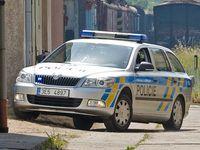 Zdrogovaný motorkář ujížděl centrem Prahy 170 kilometrů v hodině. Zastavil ho až policejní zátaras