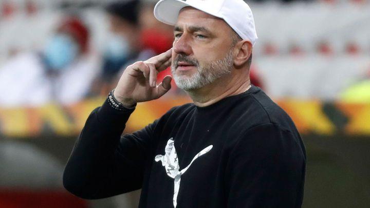 Slavia na poslední chvíli zrušila odlet do Portugalska. Testy odhalily nákazu