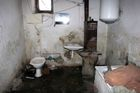 Slum-like conditions for evicted Roma families