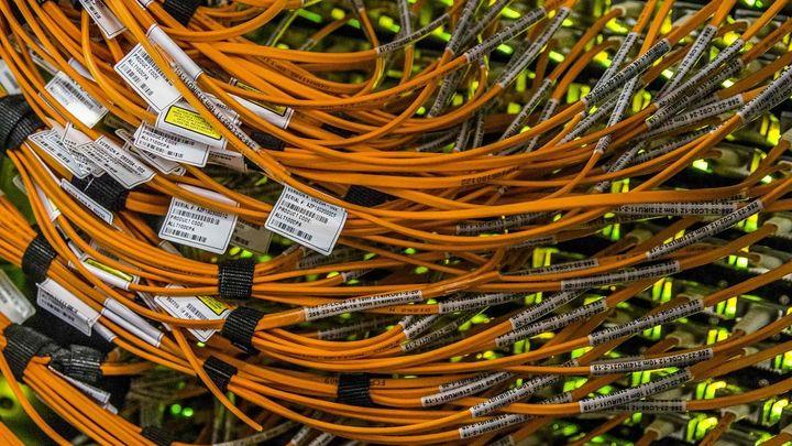 Levnější internet? Úřad by chtěl výrazně ušetřit, ale nemůže