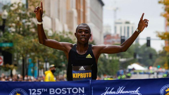 Jak v Praze, tak v Americe. Kipruto vyhrál slavný Bostonský maraton; Zdroj foto: Reuters