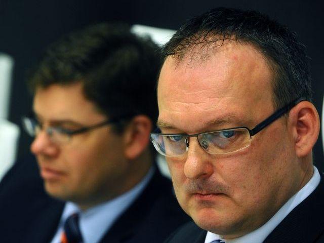 Bývalý pražský vrchní žalobce Stanislav Mečl (vpravo).
