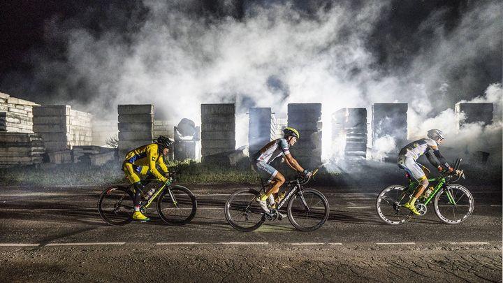 Drsný závod napříč Ruskem. Trasu z Moskvy do Vladivostoku zvládli jen tři cyklisté